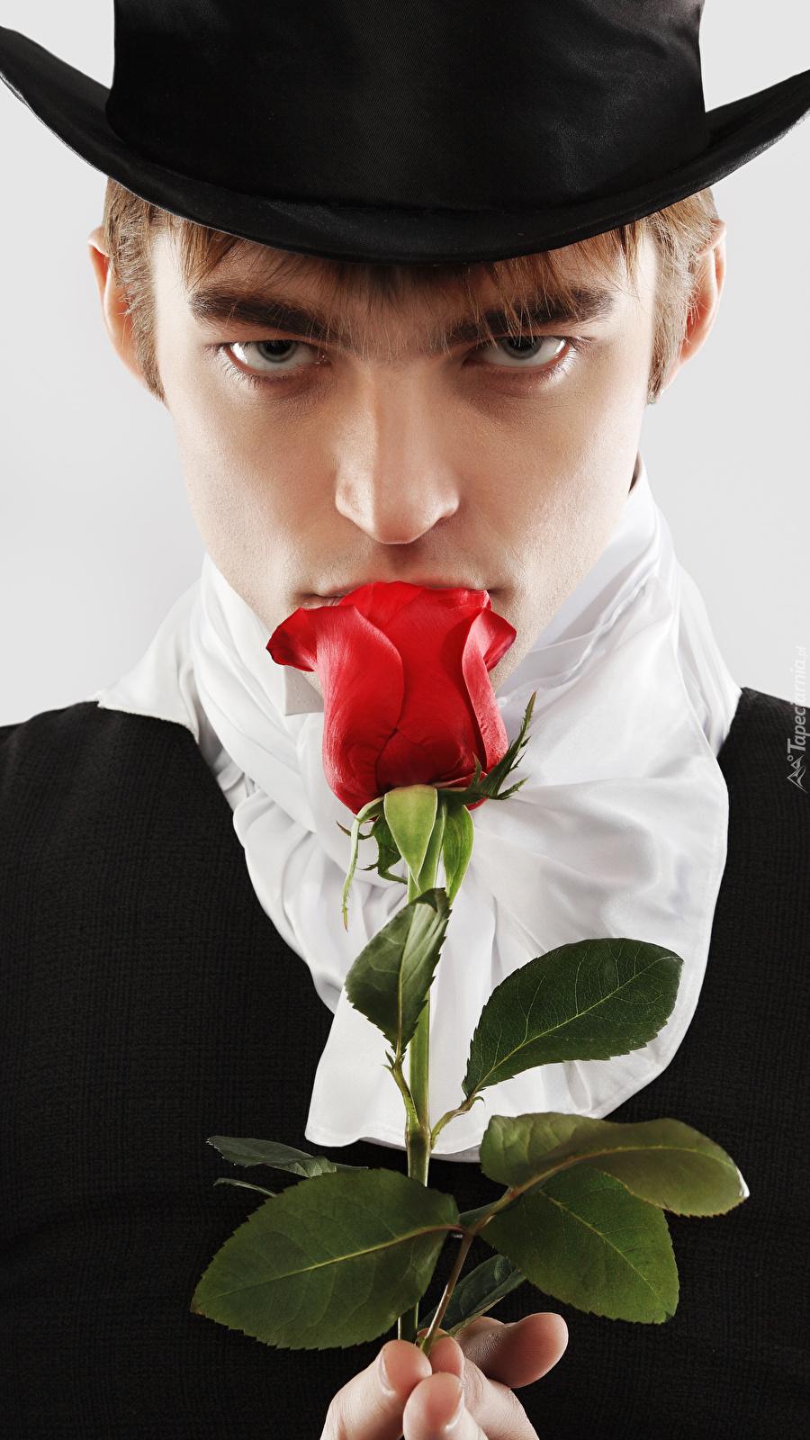 Młodzieniec z różą