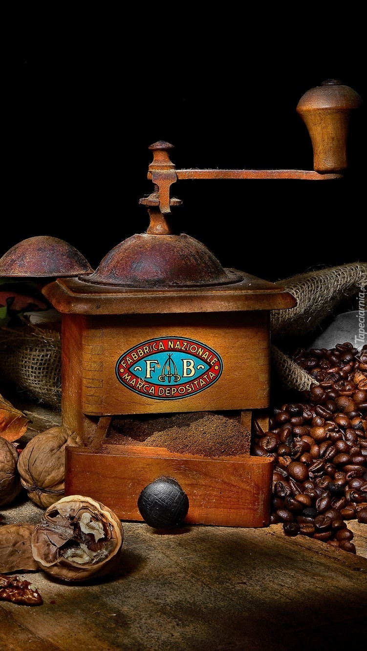 Młynek ręczny do kawy ziarnistej