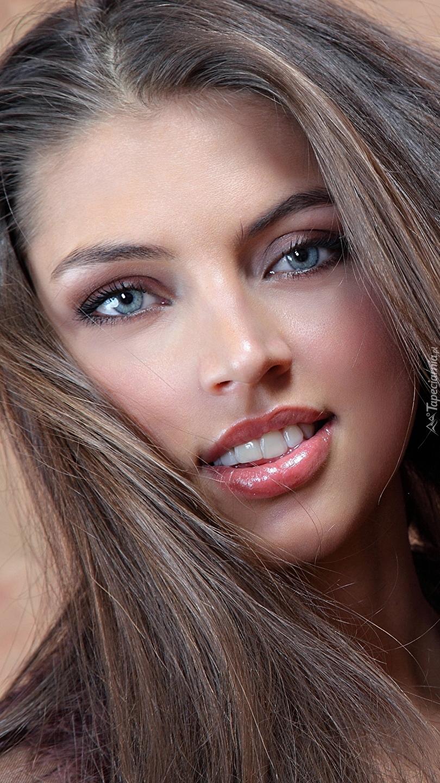 Modelka Valentina Kolesnikova
