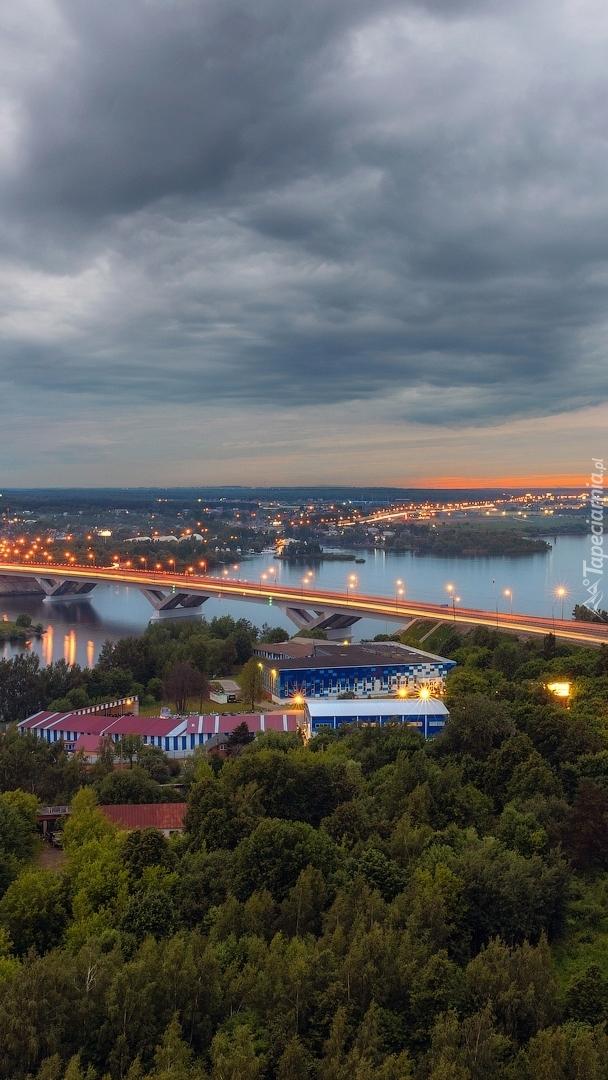 Most Dmitrovskoye Shosse nad rzeką