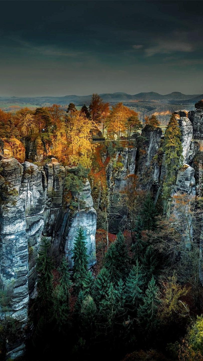 Most między skałami