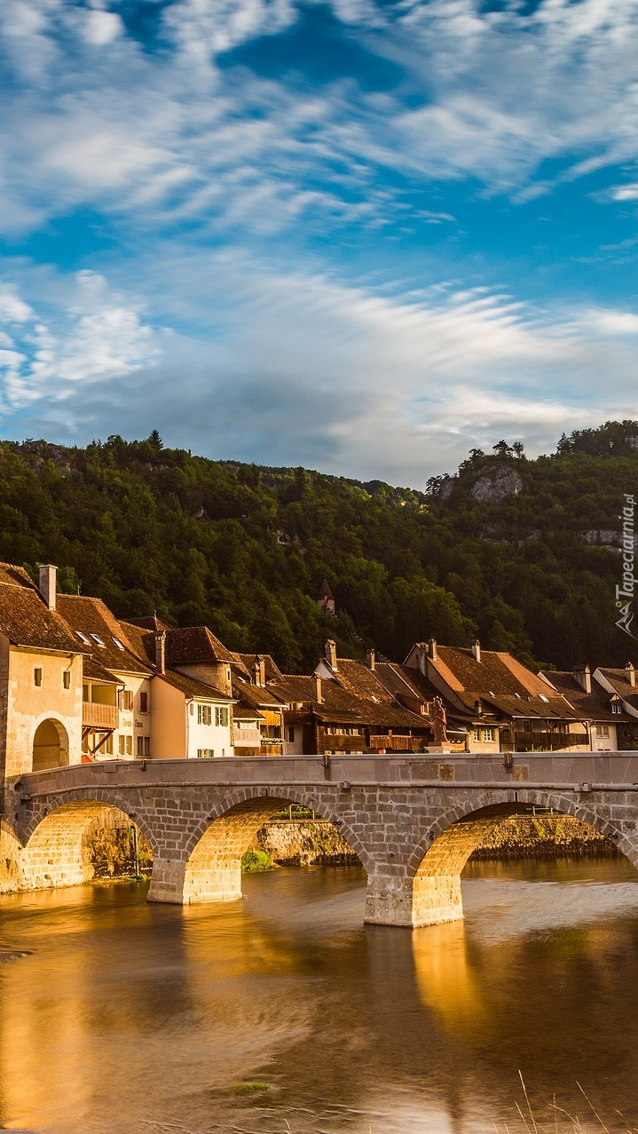 Most na rzece Doubs w Saint Ursanne