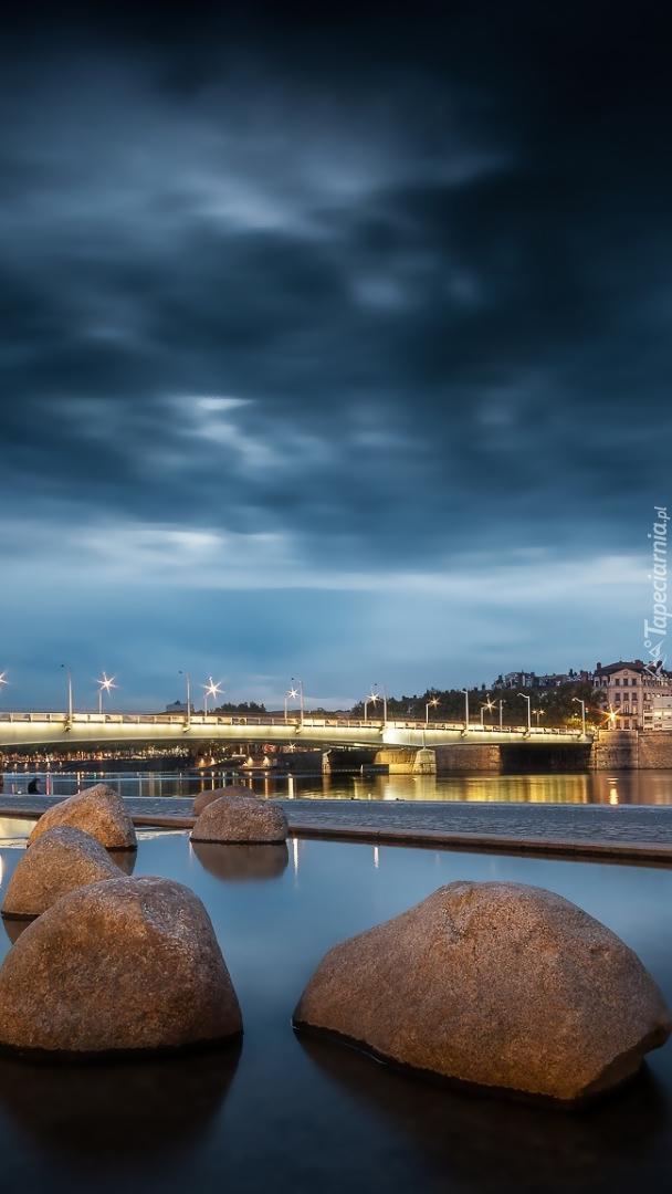 Most nad rzeką Rodan w Lyonie