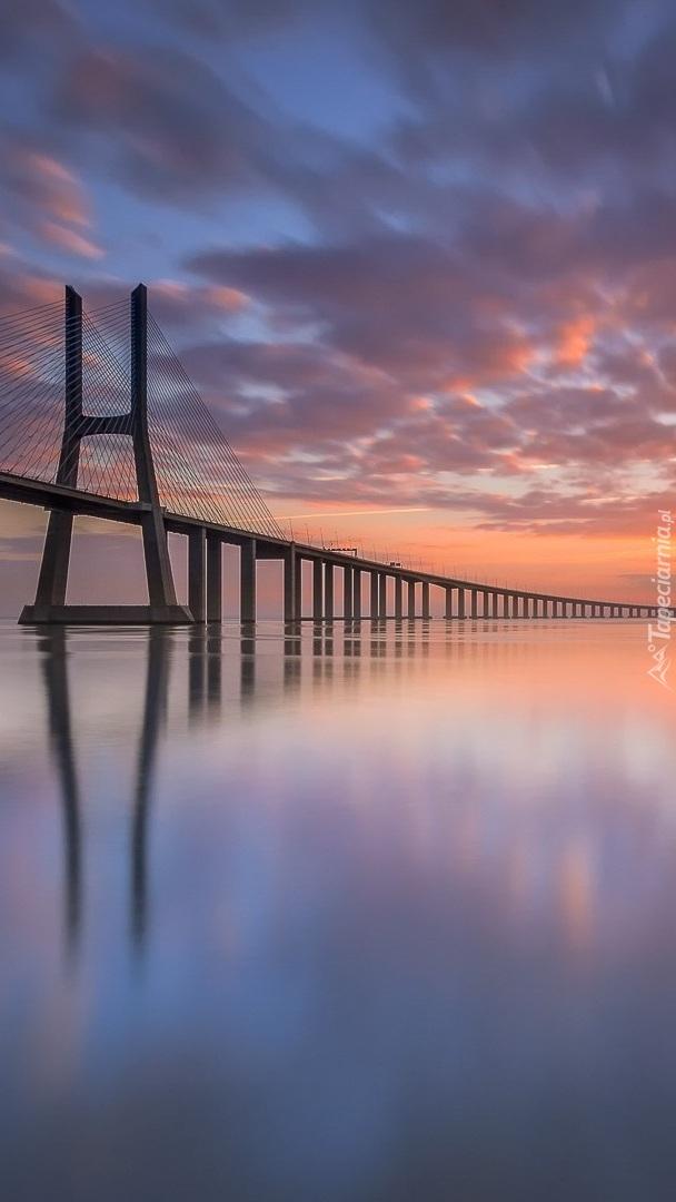 Most Vasco da Gama nad rzeką Tag