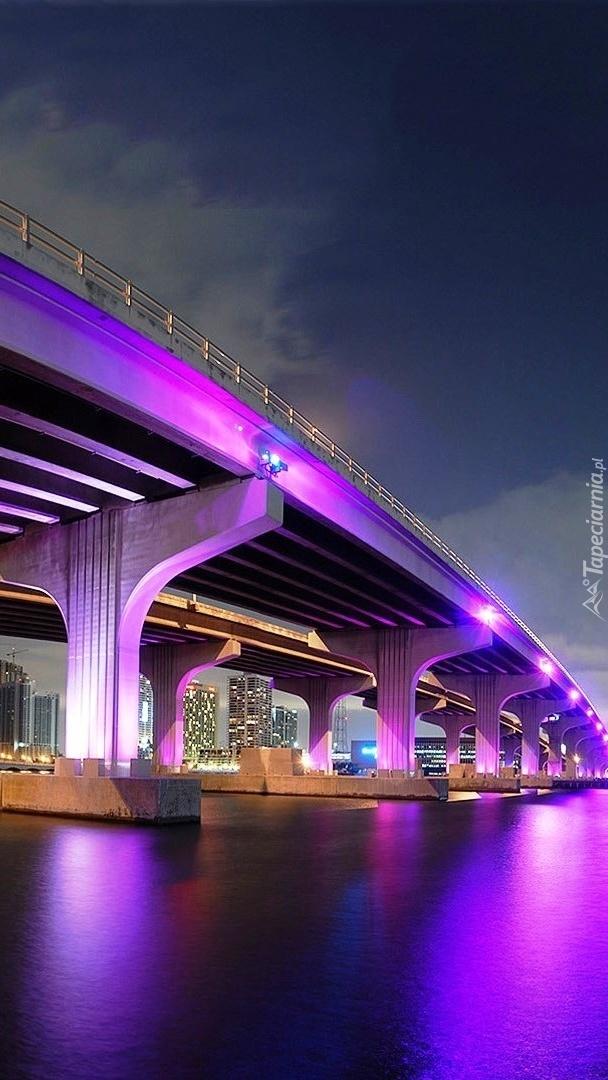 Most w Miami nocą