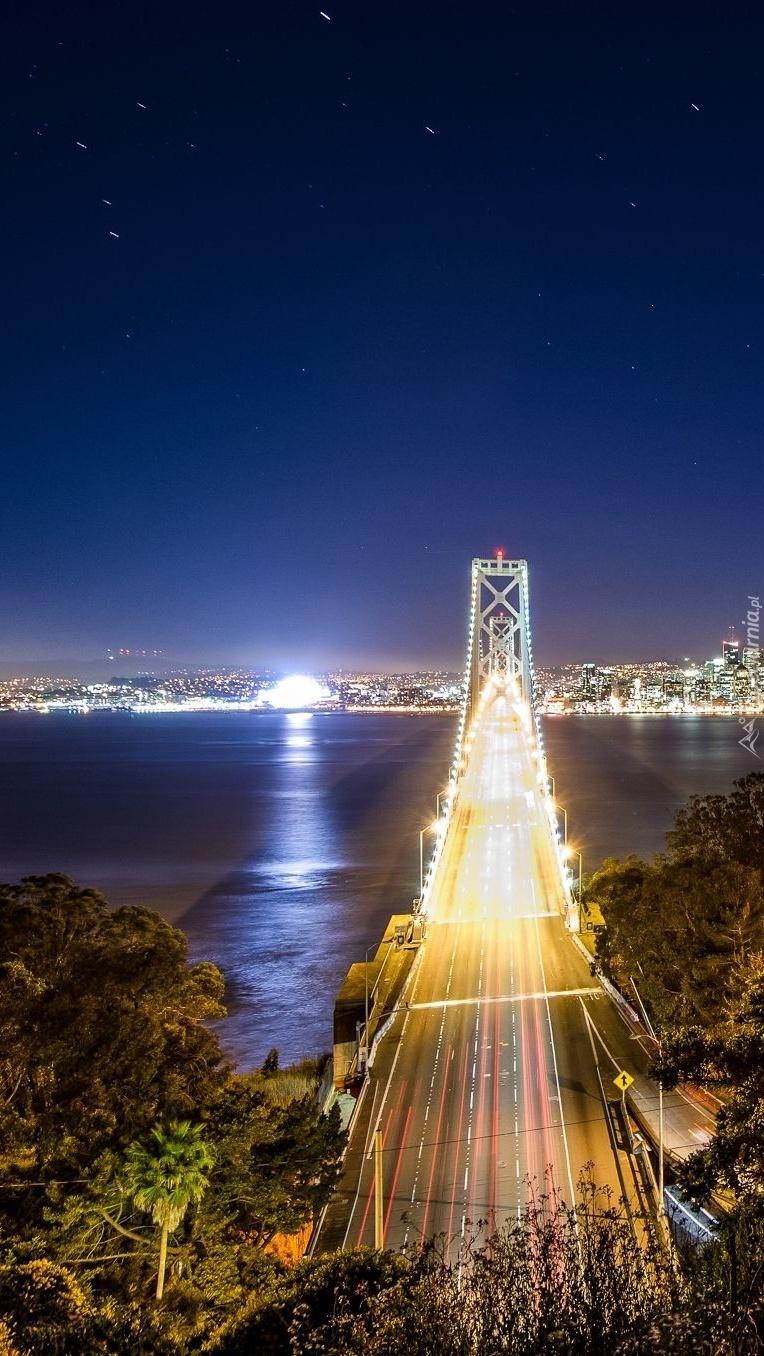 Most w San Francisco nocą