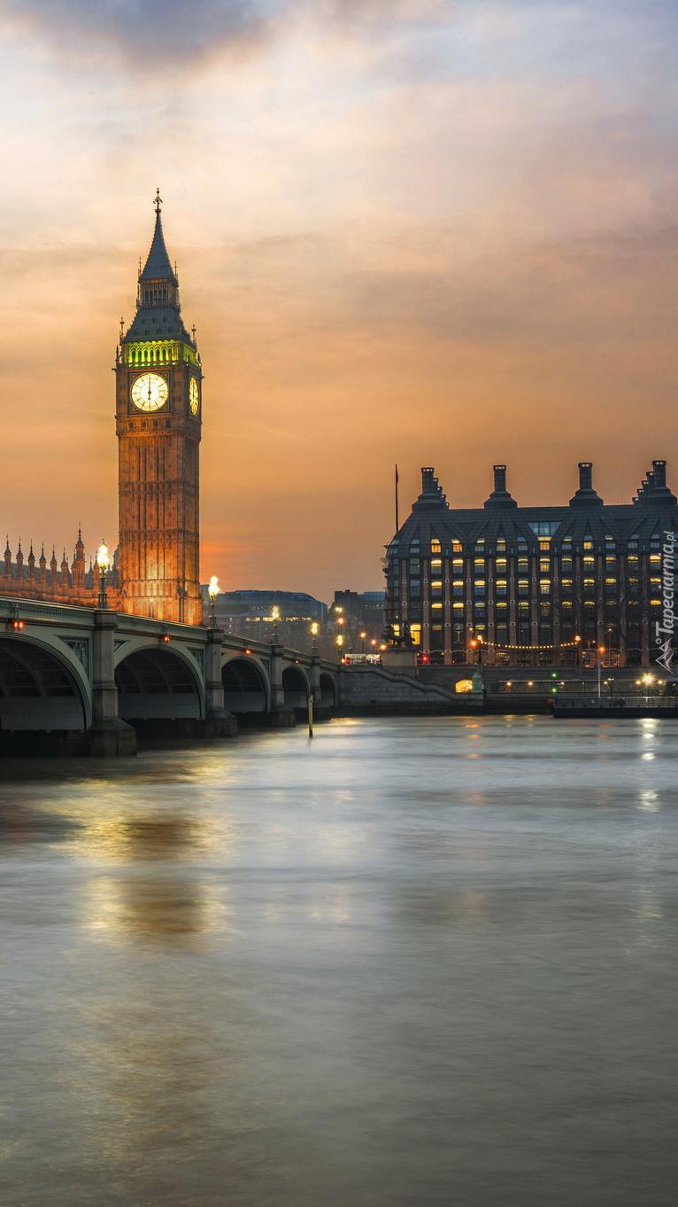 Most Westminsterski o zachodzie słońca