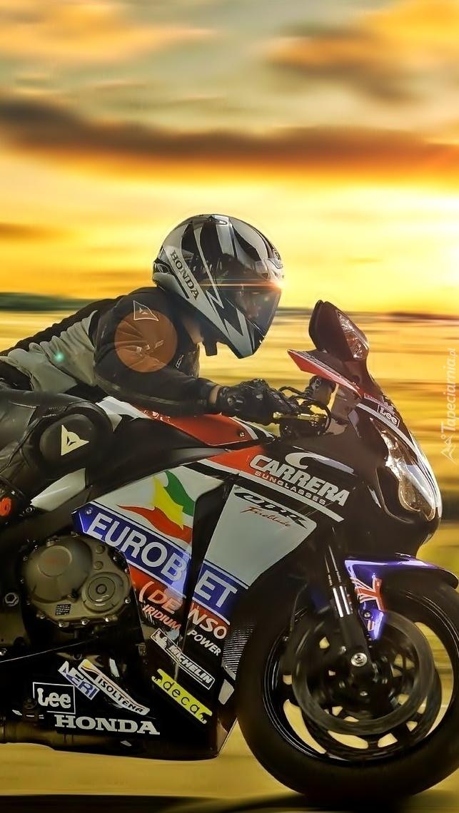 Motocyklista na Hondzie CBR 1000RR