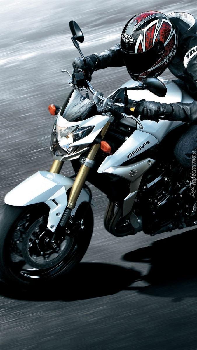 Motocyklista na Suzuki