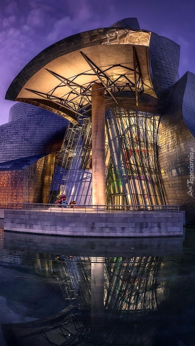 Muzeum Guggenheima nad rzeką Nervion