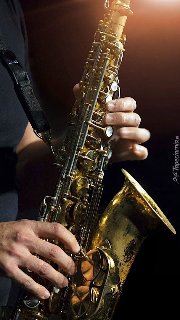 Muzyk grający na saksofonie