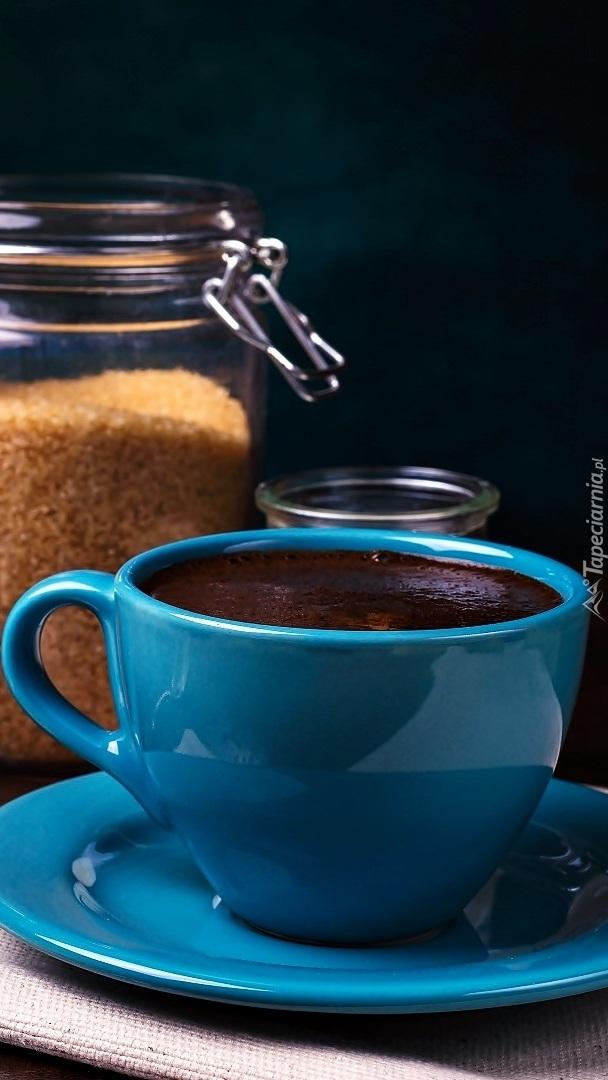 Niebieska filiżanka z kawą