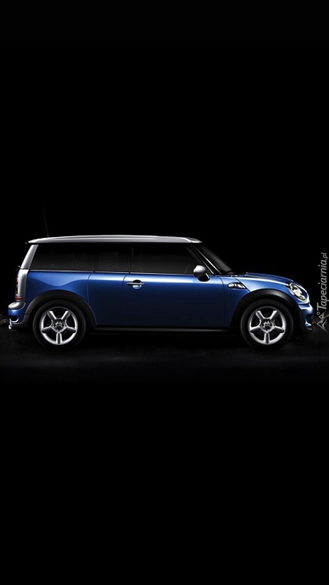 Niebieskie auto na czarnym tle