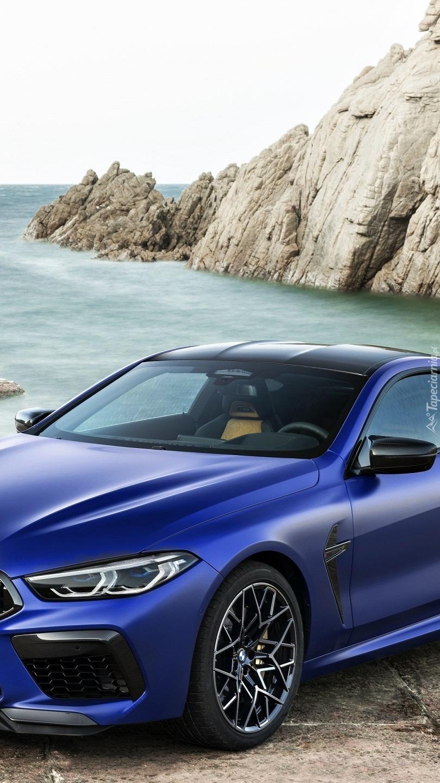 Niebieskie BMW M8 Competition
