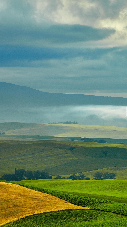 Niebo nad polami i łąkami