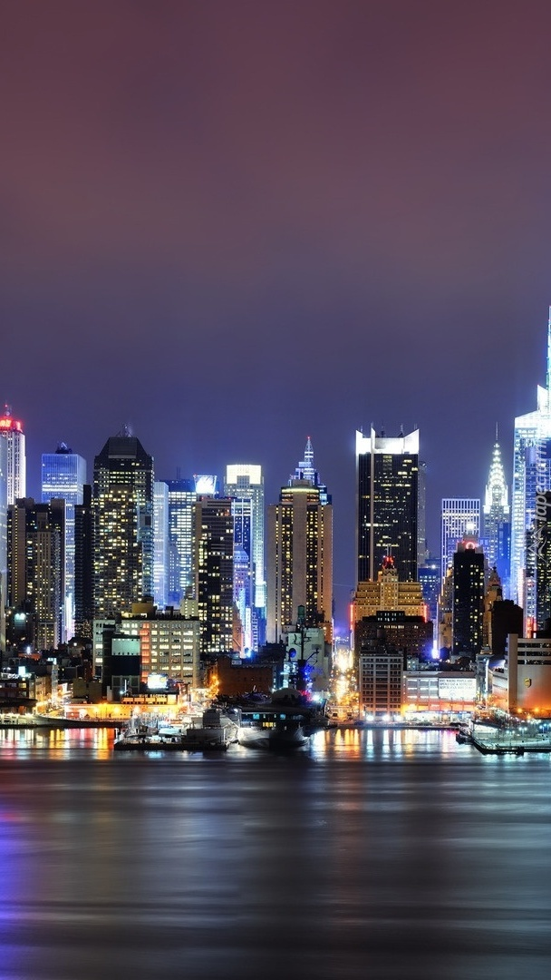 Nowojorskie drapacze chmur nocą