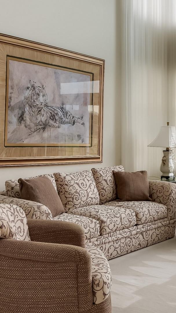 Obraz nad kanapą