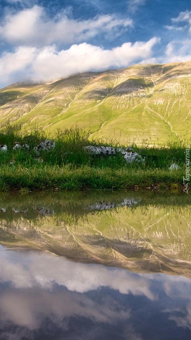 Odbicie góry w jeziorze