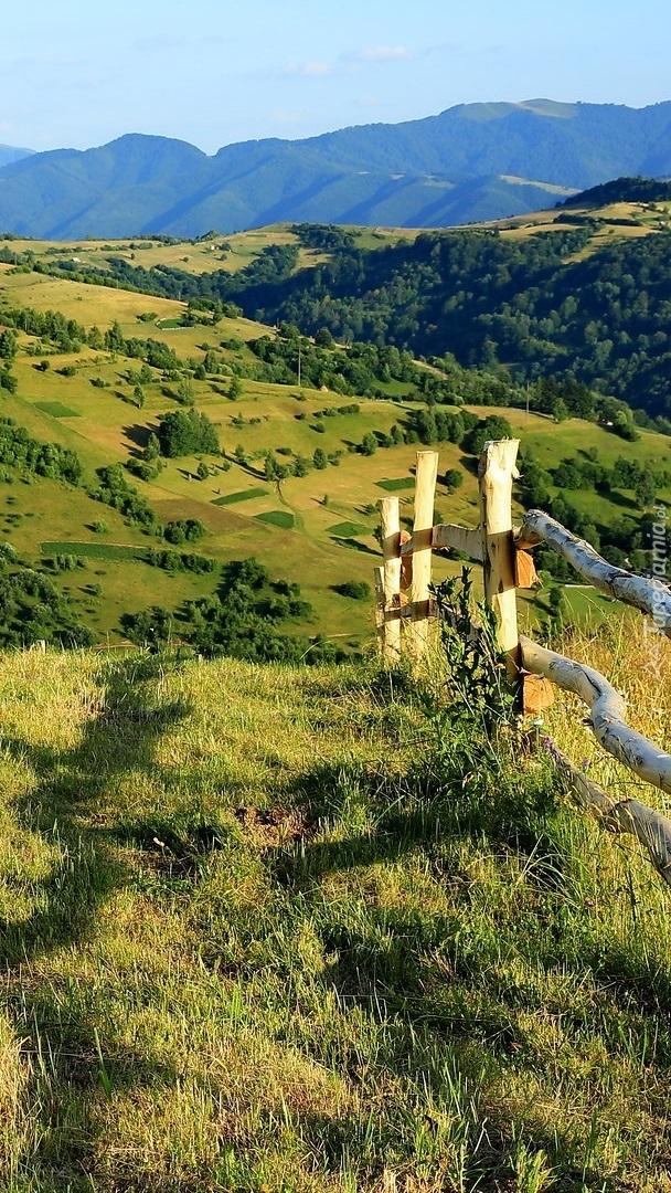 Ogrodzenie na wzgórzu