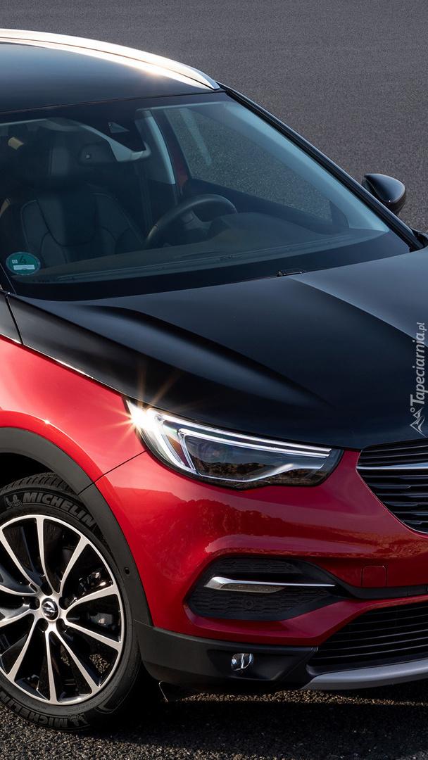 Opel Grandlan X przodem