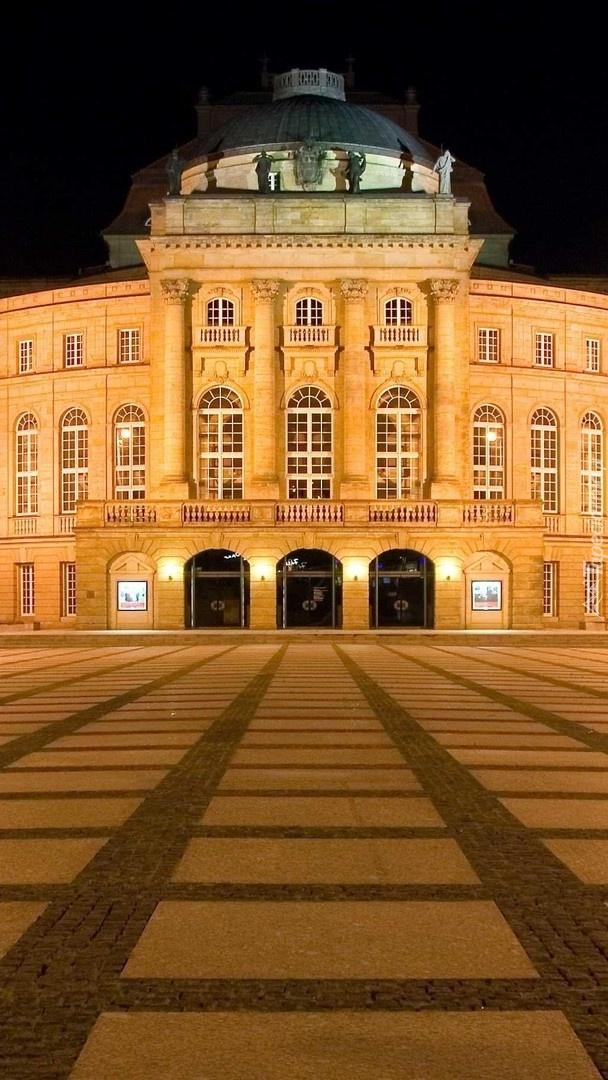 Opera Chemnitz nocą