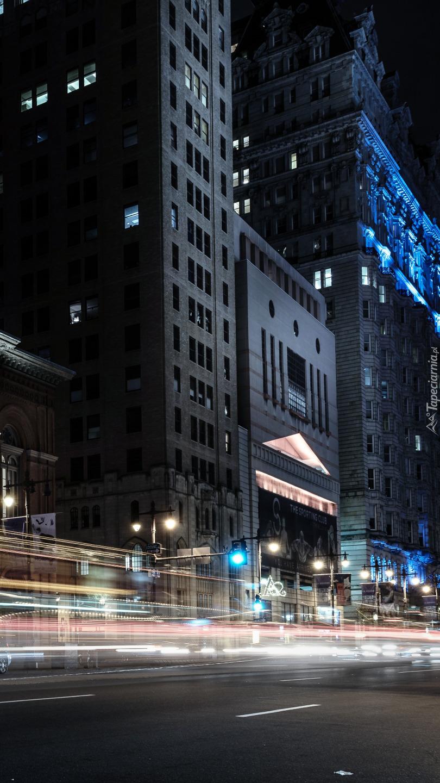 Oświetlona ulica w Filadelfii