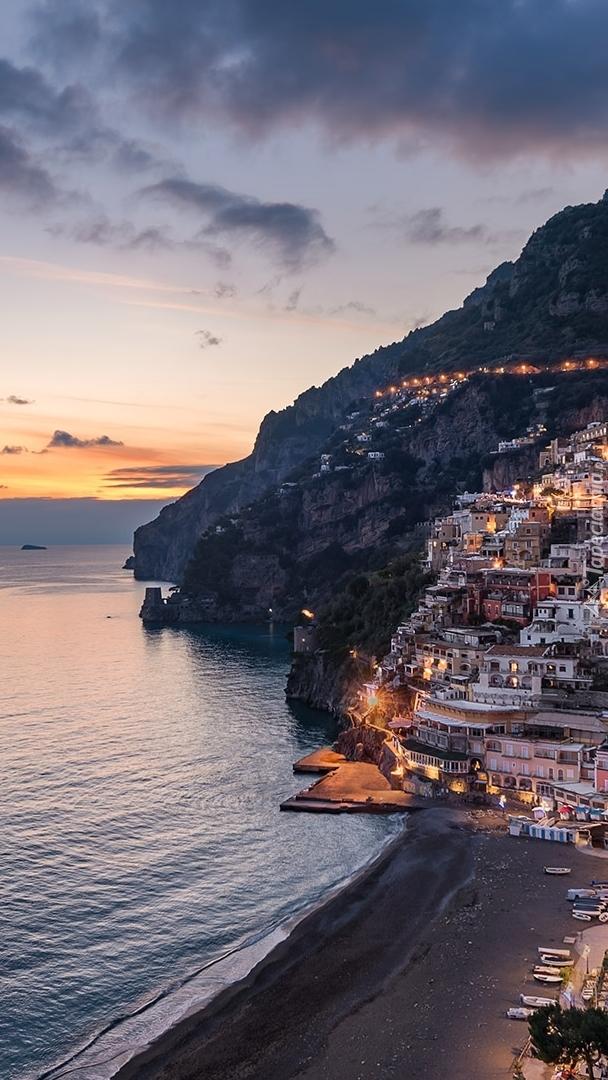 Oświetlone miasteczko Positano