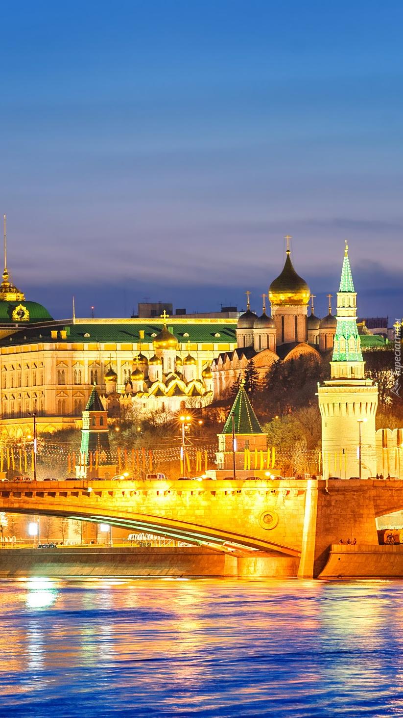 Oświetlony Kreml