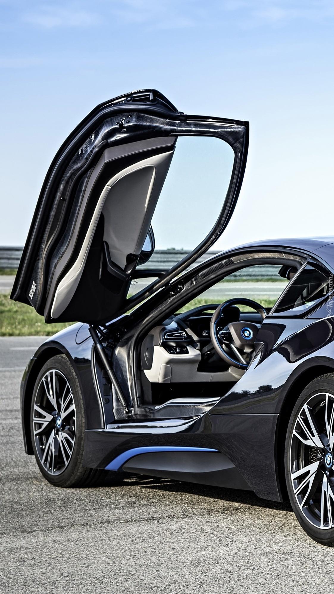 Otwarte drzwi BMW i8