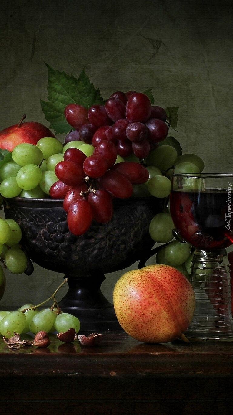 Owoce na paterze
