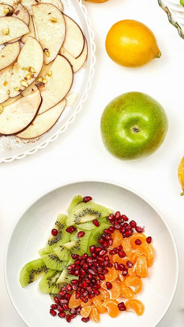 Owoce na talerzach
