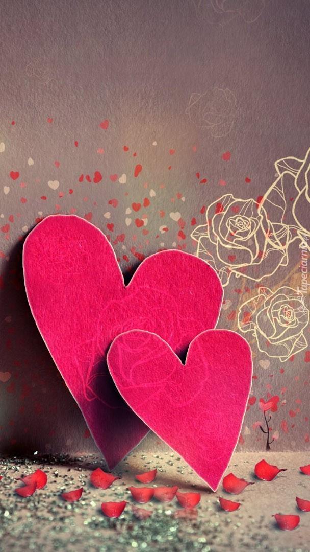 Para serc pod ścianą