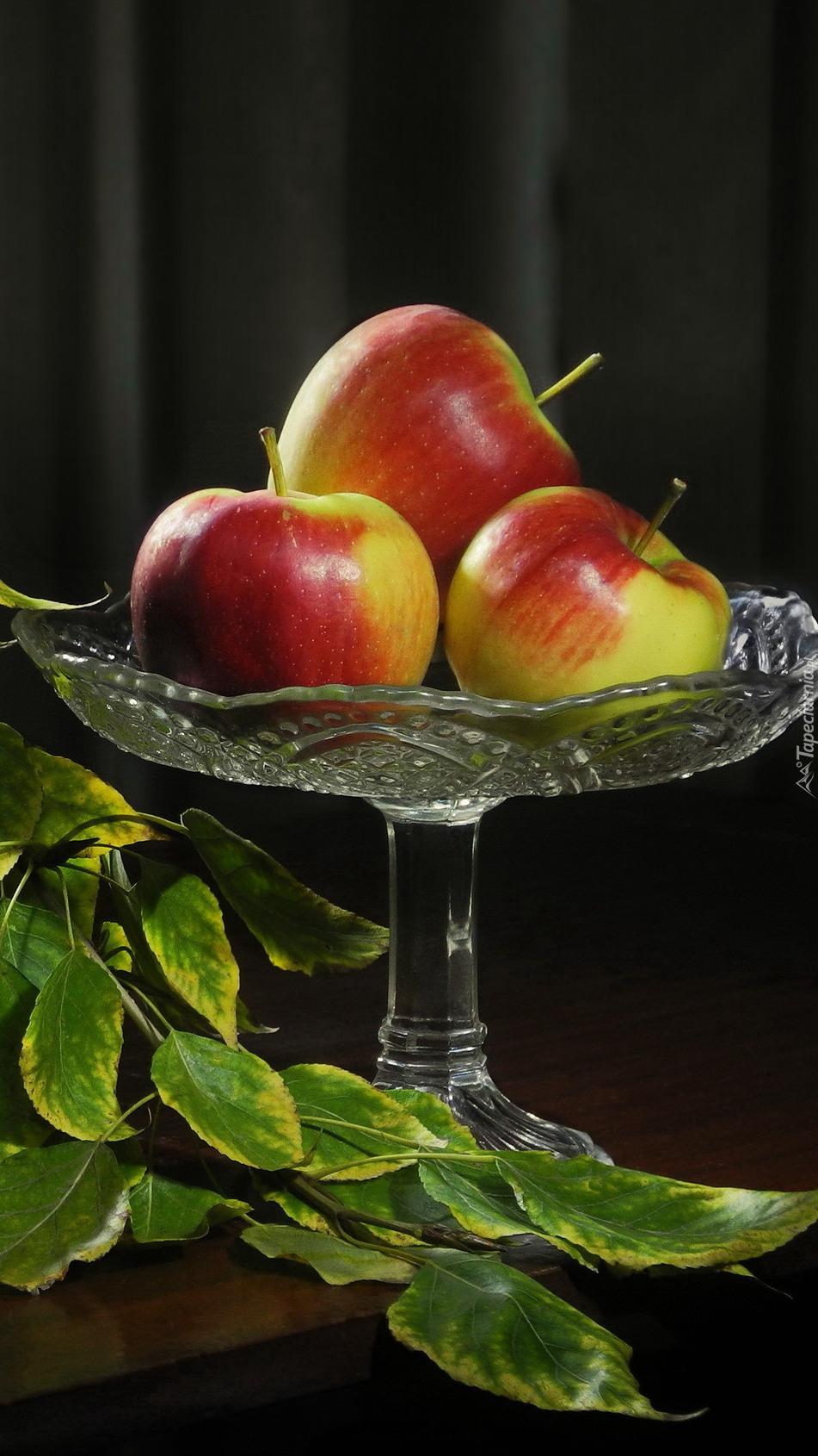Patera z jabłkami