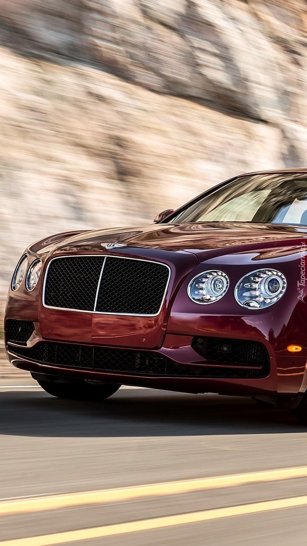 Pędzący Bentley Continental Flying Spur