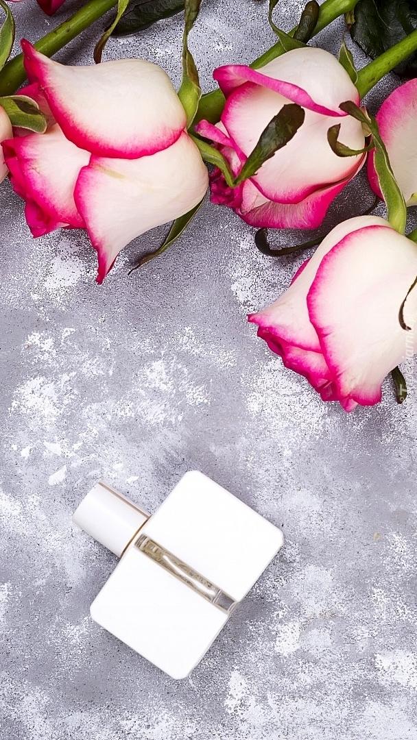 Perfumy i róże