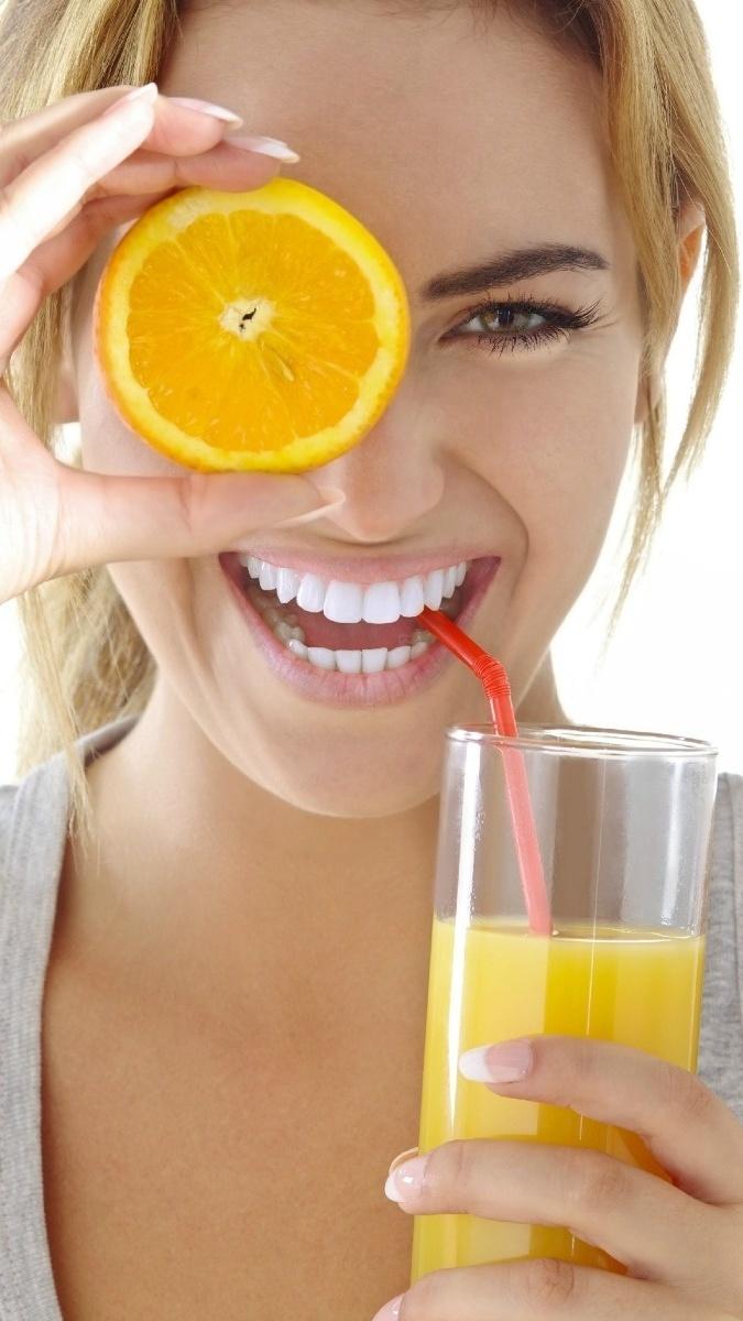 Pij zawsze świeżo wyciskany sok z pomarańczy