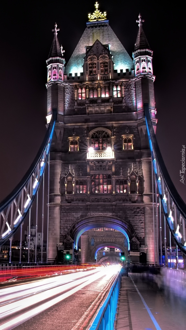 Podświetlony Tower Bridge