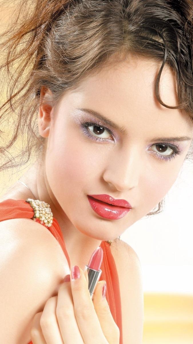 Połyskliwy makijaż