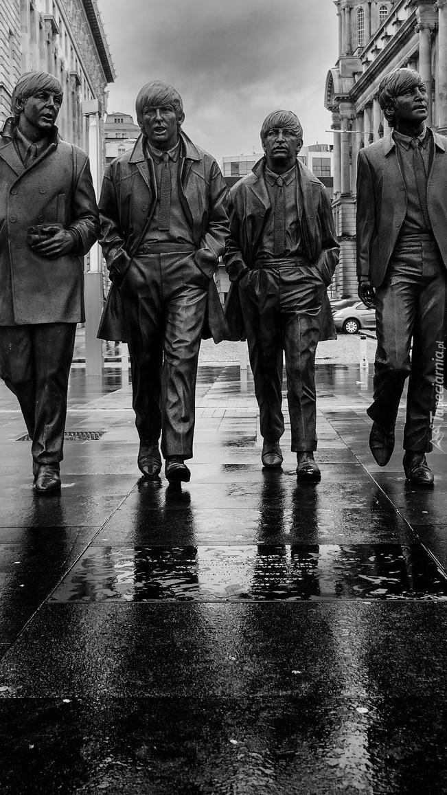 Pomnik zespołu The Beatles w Liverpoolu
