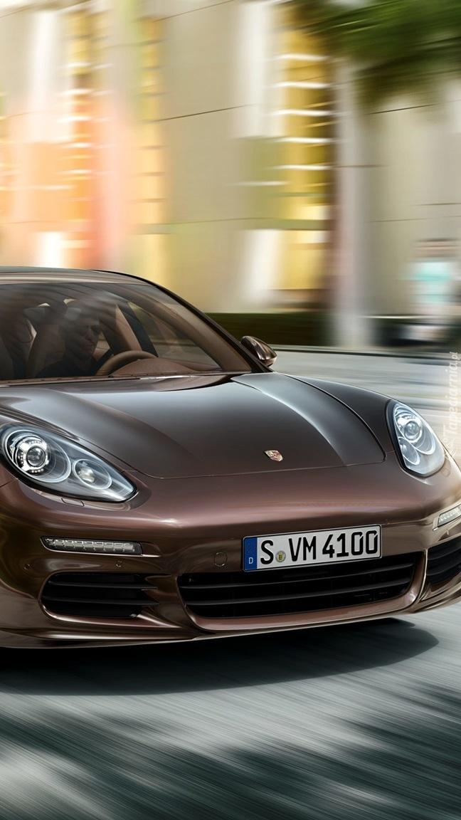 Porsche Panamera Gts Sedan Na Drodze Tapeta Na Telefon