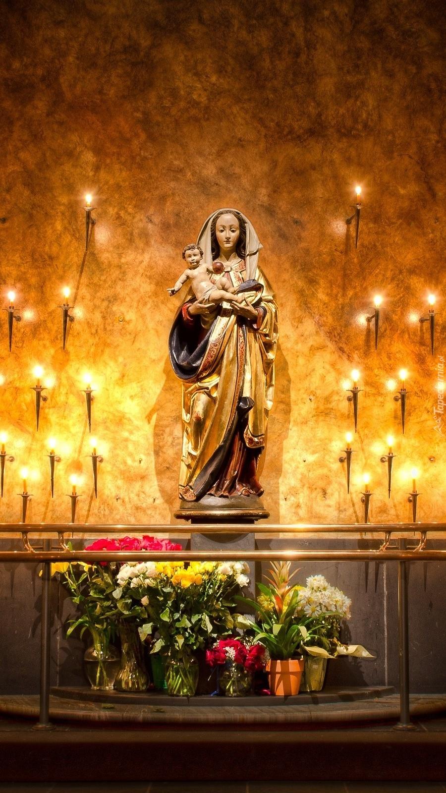Posąg Matki Boskiej