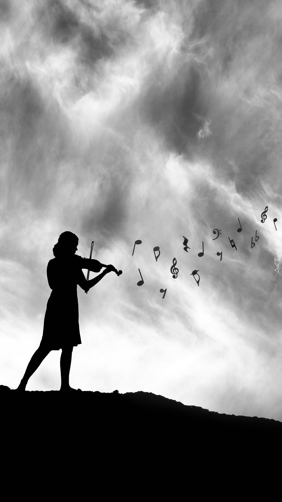Postać kobiety ze skrzypcami
