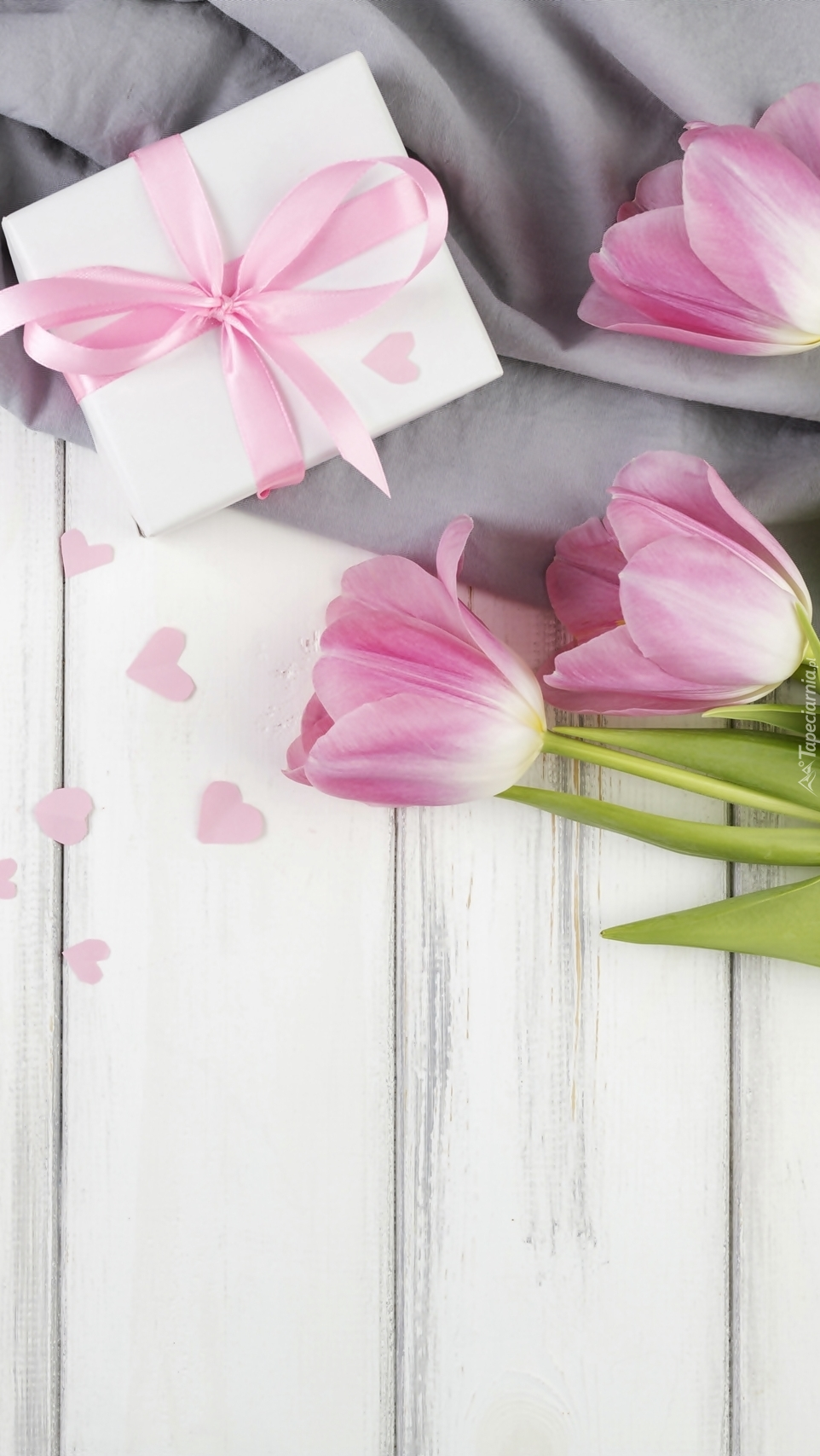 Prezent i tulipany