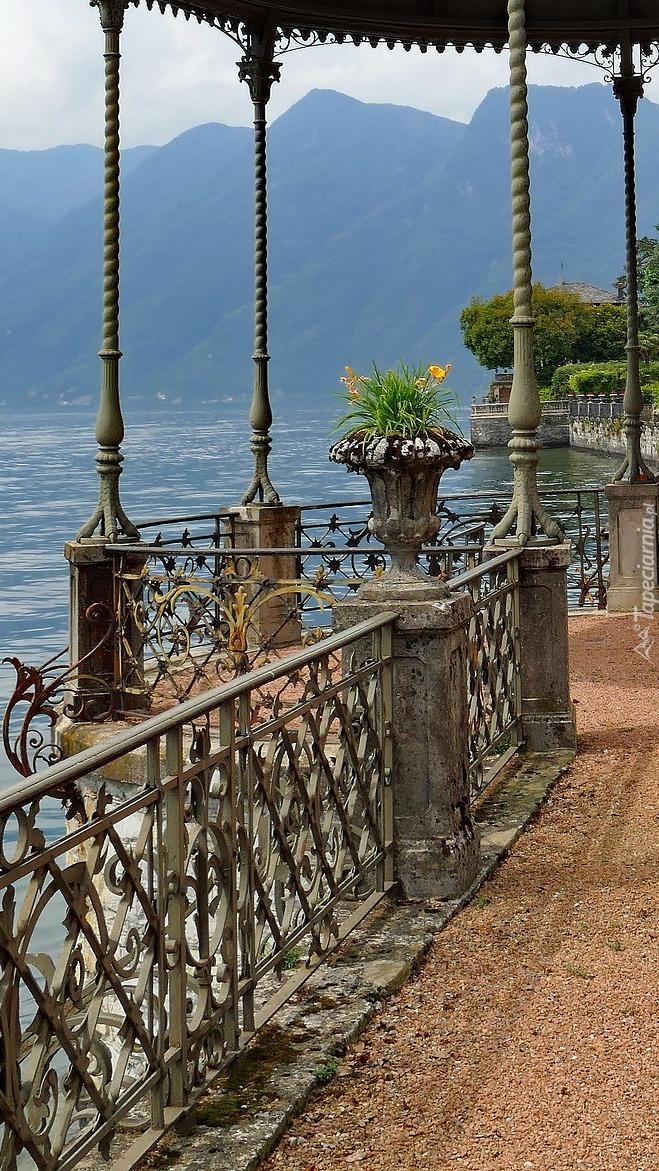 Promenada nad jeziorem Lago di Como