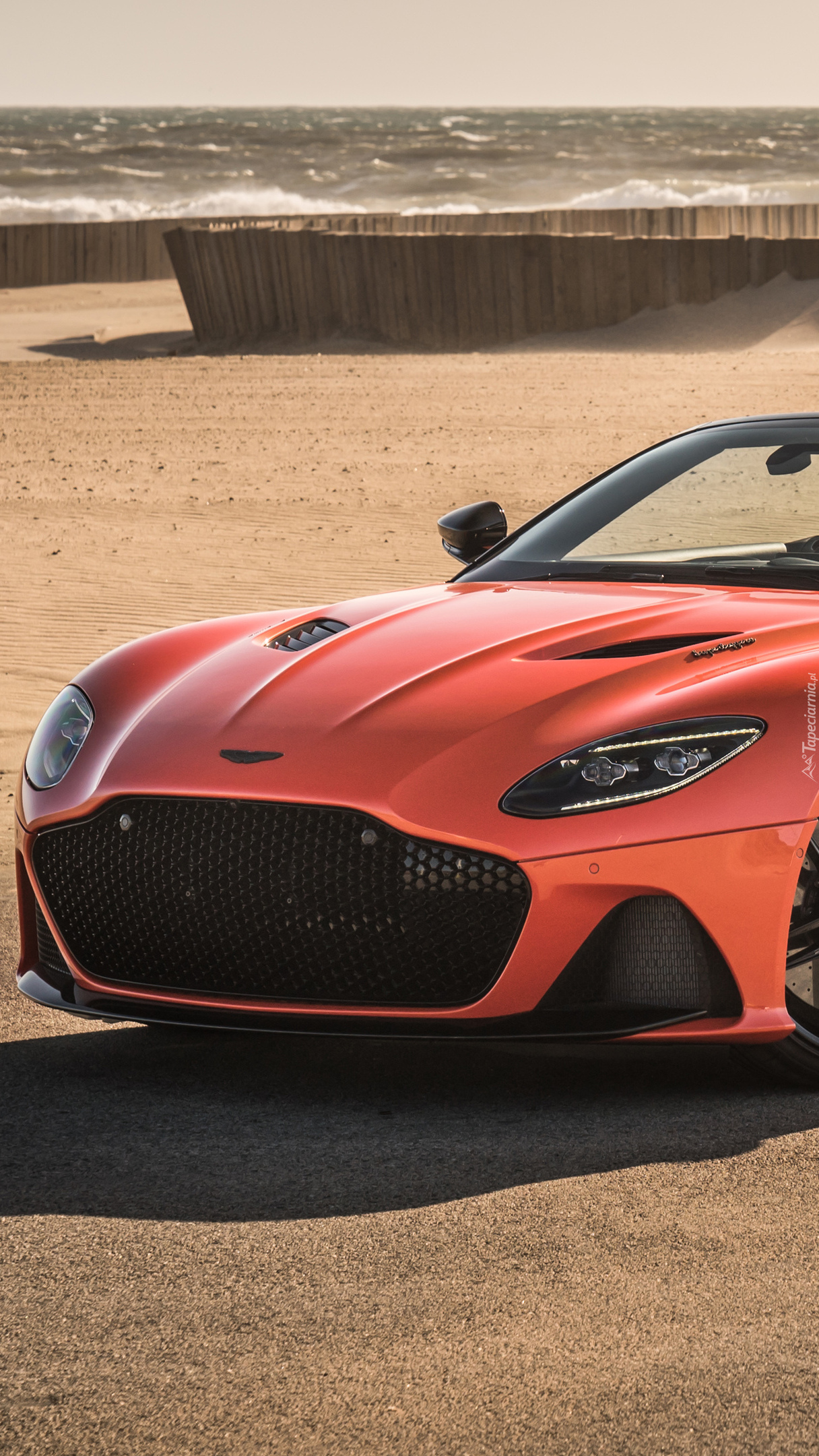 Przód Astona Martin DBS Superleggera Volante