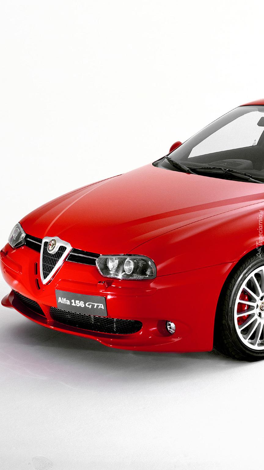 Przód czerwonej Alfy Romeo 166 Sedan