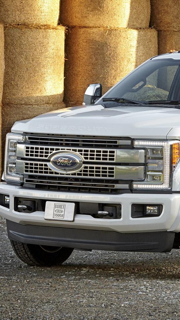 Przód Forda Super Duty F-450 Platinum