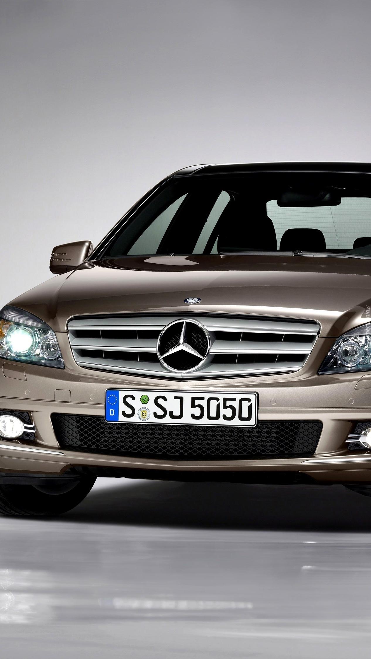 Przód Mercedesa