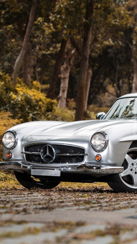 Przód  Mercedesa 300 SL AMG