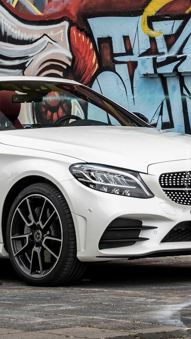 Przód Mercedesa-Benz C AMG Line